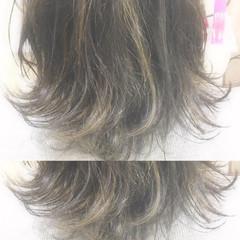 アッシュ ガーリー ミディアム グレージュ ヘアスタイルや髪型の写真・画像