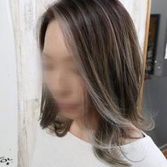 ミディアム 透明感カラー 外ハネ フェミニン ヘアスタイルや髪型の写真・画像