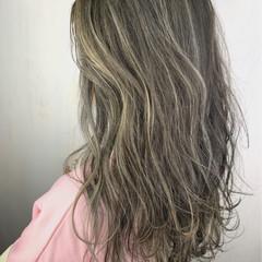 外国人風カラー ストリート ロング グレージュ ヘアスタイルや髪型の写真・画像