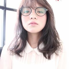 ブラウン フェミニン 外国人風 前髪あり ヘアスタイルや髪型の写真・画像