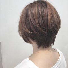 リラックス ナチュラル ショート ショートボブ ヘアスタイルや髪型の写真・画像