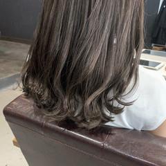 ブリーチ必須 大人かわいい グレージュ 透明感カラー ヘアスタイルや髪型の写真・画像
