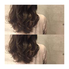 ストリート セミロング アッシュ 大人かわいい ヘアスタイルや髪型の写真・画像