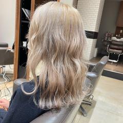 ハイトーン ブリーチ ホワイトベージュ ミルクティー ヘアスタイルや髪型の写真・画像