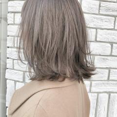 グレージュ ボブ 切りっぱなしボブ レイヤーカット ヘアスタイルや髪型の写真・画像