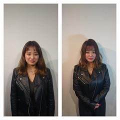 小顔ヘア 巻き髪 ナチュラル セミロング ヘアスタイルや髪型の写真・画像