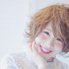 ふわふわ ショート フェミニン 透明感 ヘアスタイルや髪型の写真・画像