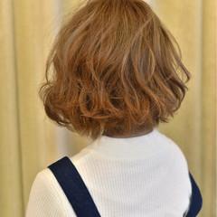 ストリート ハイトーン 外ハネ ボブ ヘアスタイルや髪型の写真・画像