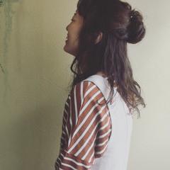 フェミニン まとめ髪 簡単ヘアアレンジ パーマ ヘアスタイルや髪型の写真・画像