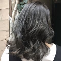 女子力 セミロング ウェーブ 外国人風 ヘアスタイルや髪型の写真・画像