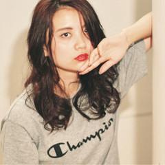 外国人風カラー アンニュイ ロング ナチュラル ヘアスタイルや髪型の写真・画像