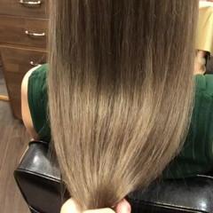 ダブルカラー ロング 透明感 エレガント ヘアスタイルや髪型の写真・画像