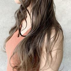 グレージュ グラデーションカラー ブリーチ必須 シアーベージュ ヘアスタイルや髪型の写真・画像