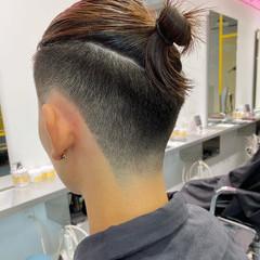 ショート ストリート センターパート フェードカット ヘアスタイルや髪型の写真・画像