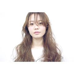 ナチュラル パーマ 外国人風 ハイライト ヘアスタイルや髪型の写真・画像