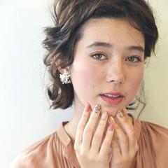 上品 簡単ヘアアレンジ エレガント デート ヘアスタイルや髪型の写真・画像