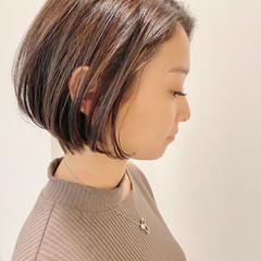 ショートボブ ショートヘア オフィス ナチュラル ヘアスタイルや髪型の写真・画像