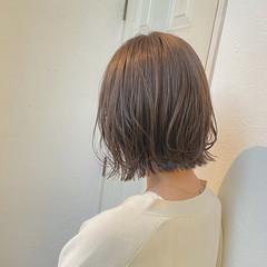 ナチュラル 切りっぱなしボブ ミルクティーベージュ ベージュ ヘアスタイルや髪型の写真・画像