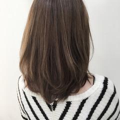 ミディアム アッシュ 大人かわいい ストリート ヘアスタイルや髪型の写真・画像