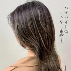 ミルクティーベージュ グレージュ ミルクティー ハイライト ヘアスタイルや髪型の写真・画像