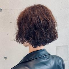 パーマ ランダムカール 大人女子 モード ヘアスタイルや髪型の写真・画像