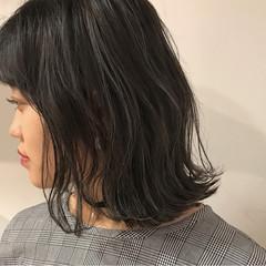 切りっぱなし ロブ 外ハネ ミディアム ヘアスタイルや髪型の写真・画像