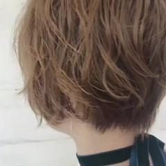 アンニュイ リラックス ウェーブ 大人かわいい ヘアスタイルや髪型の写真・画像