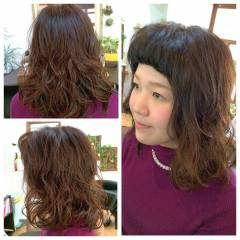 ストレート ガーリー オン眉 セミロング ヘアスタイルや髪型の写真・画像