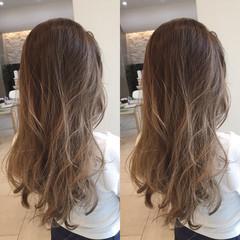 グラデーションカラー アッシュグレージュ バレイヤージュ グレージュ ヘアスタイルや髪型の写真・画像