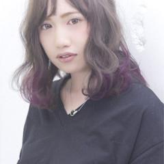 暗髪 グラデーションカラー ミディアム ゆるふわ ヘアスタイルや髪型の写真・画像