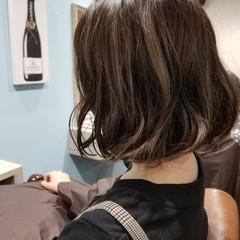 ウェーブ ハイライト カール デート ヘアスタイルや髪型の写真・画像