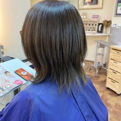 シルバーグレー ブリーチオンカラー ミディアム ハイライト ヘアスタイルや髪型の写真・画像