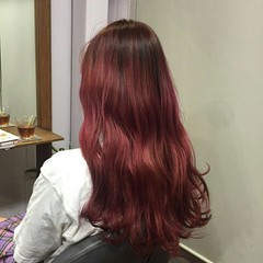 レッド グラデーションカラー 外国人風 ロング ヘアスタイルや髪型の写真・画像