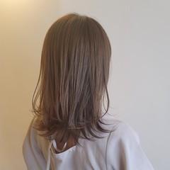 ハイライト ナチュラル アンニュイほつれヘア レイヤーカット ヘアスタイルや髪型の写真・画像