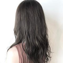 ミルクティーグレージュ フェミニン ブリーチ グレージュ ヘアスタイルや髪型の写真・画像