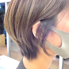 耳掛けショート バイオレットカラー ラベンダーカラー ストリート ヘアスタイルや髪型の写真・画像