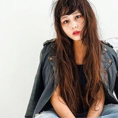 ロング 簡単 ガーリー デジタルパーマ ヘアスタイルや髪型の写真・画像