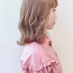 ミルクティーブラウン ナチュラル 切りっぱなしボブ ミディアム ヘアスタイルや髪型の写真・画像