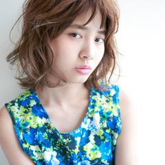 パーマ ミディアム 前髪あり 外国人風 ヘアスタイルや髪型の写真・画像