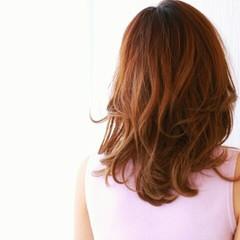 大人かわいい ハイライト 外国人風 セミロング ヘアスタイルや髪型の写真・画像