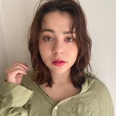 ニュアンスパーマ シアーベージュ ミルクティーベージュ 外国人風フェミニン ヘアスタイルや髪型の写真・画像