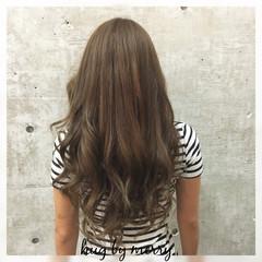 グラデーションカラー アッシュ 大人かわいい ロング ヘアスタイルや髪型の写真・画像