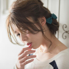 アッシュ ミディアム 大人かわいい 簡単ヘアアレンジ ヘアスタイルや髪型の写真・画像