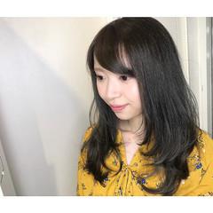 フェミニン ロング 小顔 レイヤーカット ヘアスタイルや髪型の写真・画像