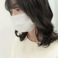 ミルクティーベージュ ミディアムレイヤー ガーリー 韓国ヘア ヘアスタイルや髪型の写真・画像