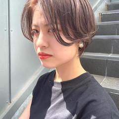 ハンサムショート ショートヘア ナチュラル ダブルカラー ヘアスタイルや髪型の写真・画像