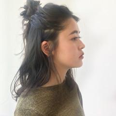 ミディアム ヘアアレンジ ブラウンベージュ ブルーアッシュ ヘアスタイルや髪型の写真・画像