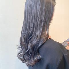 アッシュグレージュ ロング ナチュラル 透明感カラー ヘアスタイルや髪型の写真・画像