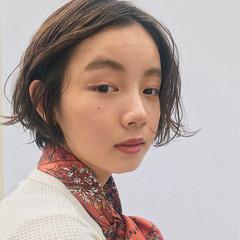 ナチュラル ショート フェミニン ヘアアレンジ ヘアスタイルや髪型の写真・画像