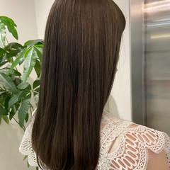 オリーブグレージュ ナチュラル セミロング オリーブアッシュ ヘアスタイルや髪型の写真・画像